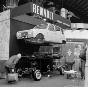 renault-4l-eclate-salon-auto-1961